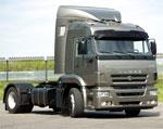 Управлять грузовыми автомобилями позволяют права категории CЕ