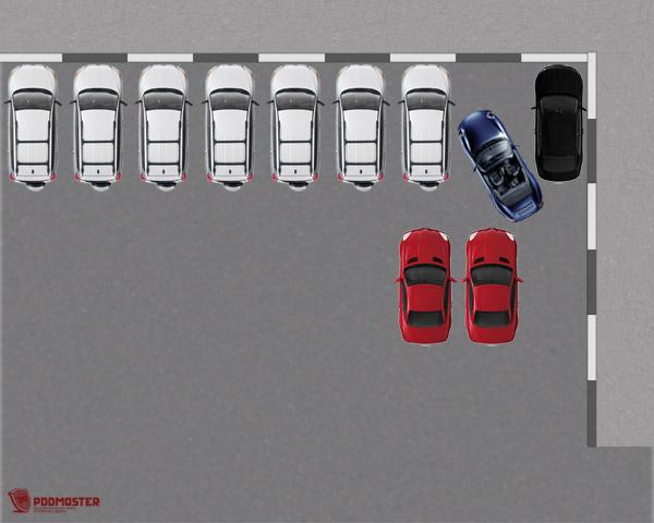 В левом зеркале заднего вида просматривается зазор между синим и красным автомобилями