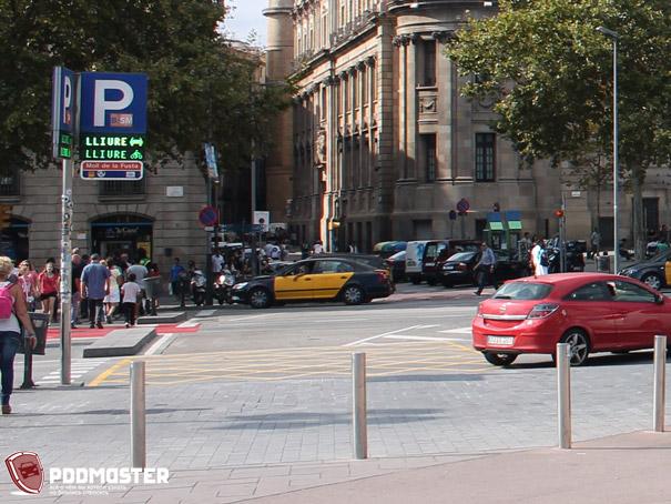 Пересечение проезжих частей в Испании