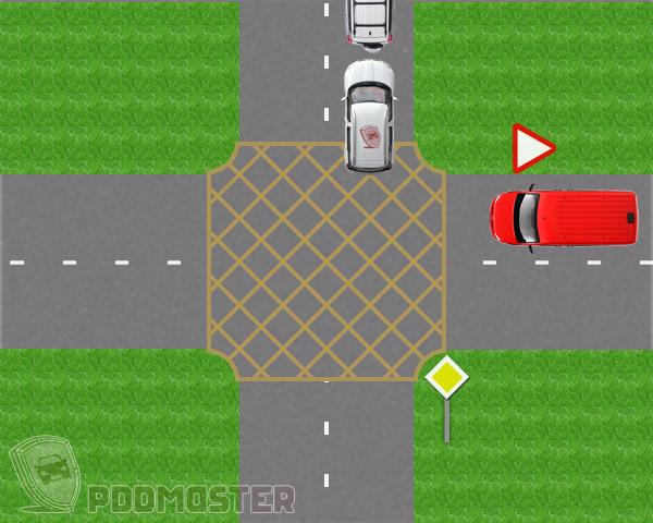 За перекрестком не достаточно места для автомобиля