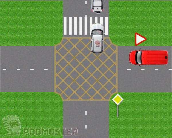 Пешеходный переход за перекрестком