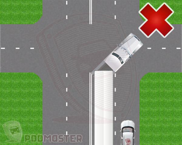 Легковой автомобиль в правом ряду