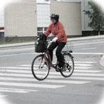 Велосипедист на переходе